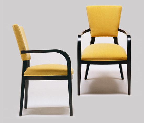 Akimbo armchair di Conde House | Sedie