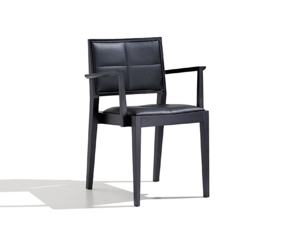 Manila SO 2113 by Andreu World | Restaurant chairs