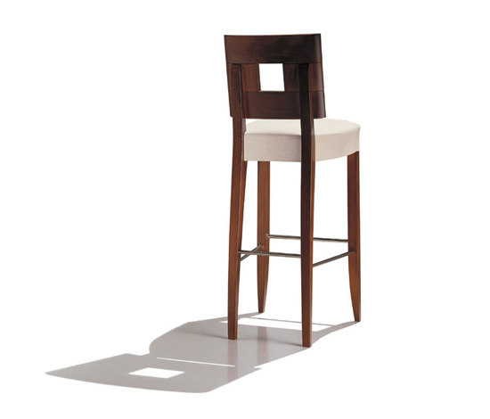 Savoy BQ 7099 by Andreu World | Bar stools