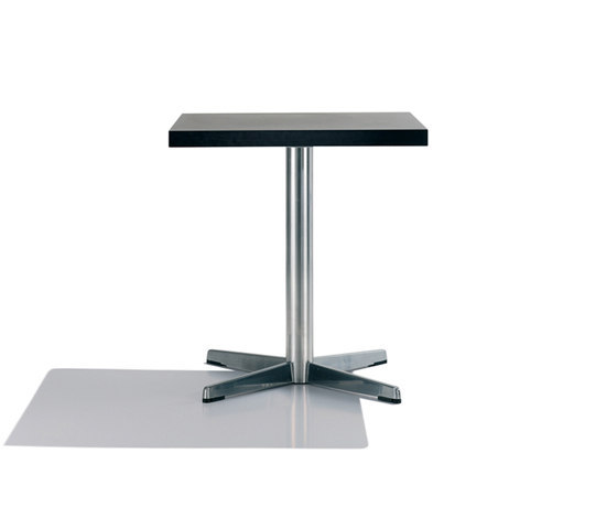 Cross BM 3380/3381 de Andreu World | Tables de cafétéria