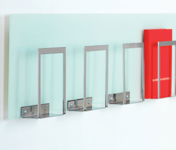 Info Accessoires by Lammhults | Brochure / Magazine display stands