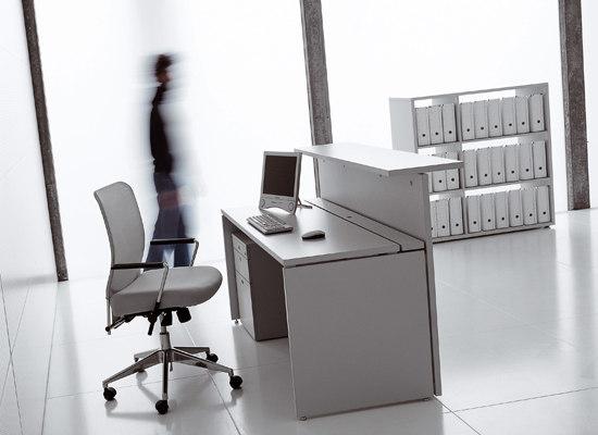 XL System by Fantoni | Reception desks