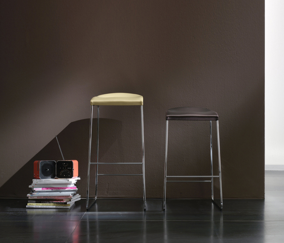 Pilo by Bonaldo | Bar stools