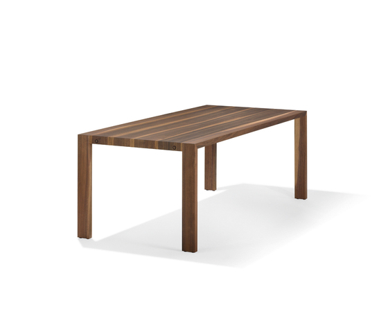 FLOW Table by Girsberger | Dining tables
