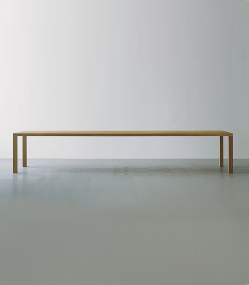 Massivholztisch by Oswald | Dining tables