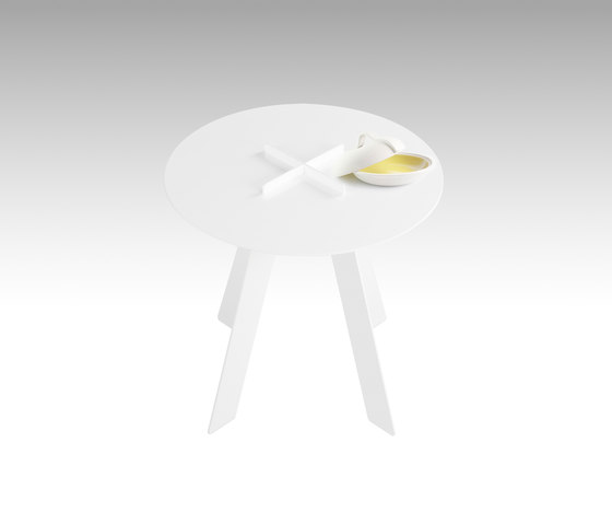 Plus Table side di GAEAforms   Tavolini di servizio