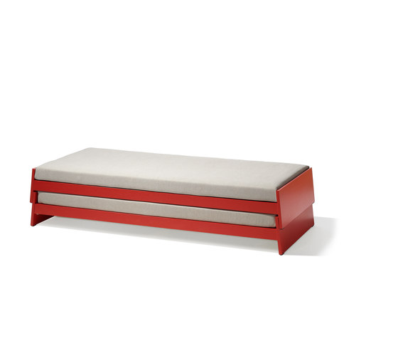 Lönneberga stacking bed de Richard Lampert | Camas de niños / Literas