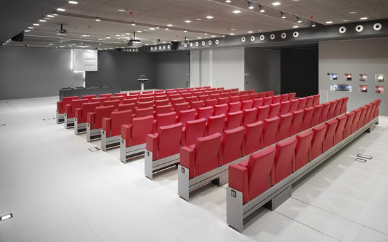 Automatic Mutaflex 6066 by FIGUERAS | Movable seating systems