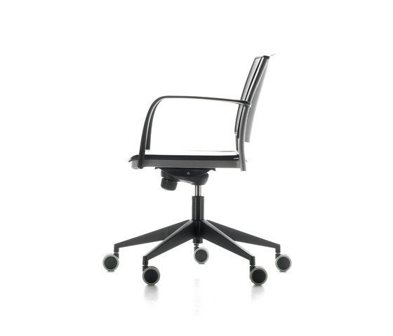 Motive Office Chair Task Chairs By AKABA Architonic