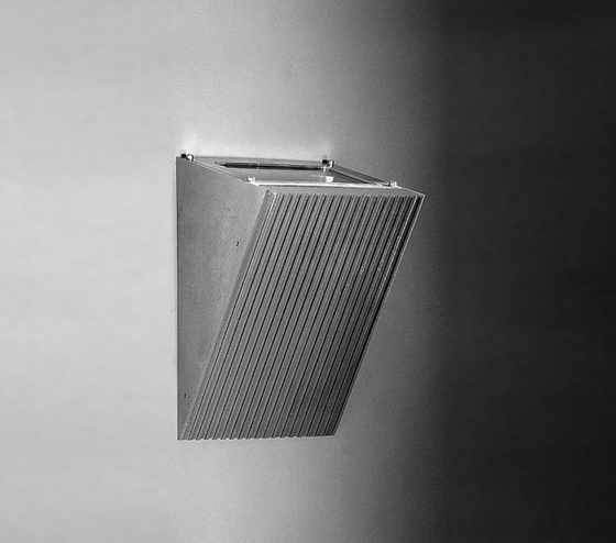 Salina Surface mounted wall luminaire by Hess | General lighting
