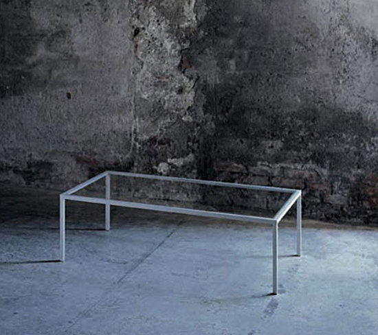 Go on Evolution 20 by Glas Italia   Lounge tables