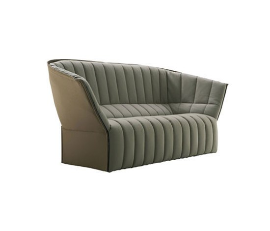 Moël large settee by Ligne Roset | Sofas