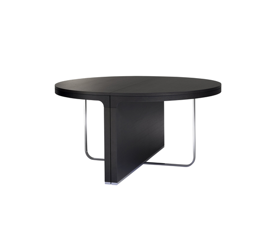 Hyannis Port dining table by Ligne Roset | Dining tables
