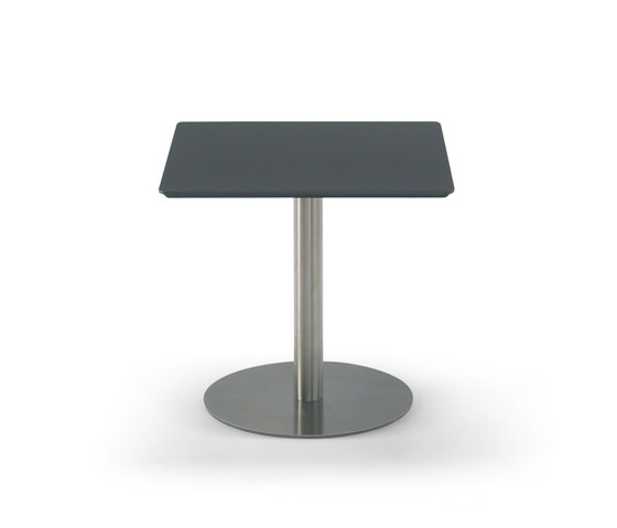 Train von House of Finn Juhl - Onecollection | Dining tables