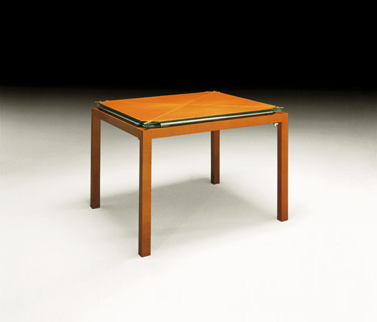 Corner mesa de juego by Tresserra | Coffee tables