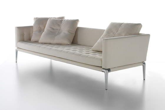 243 Volage by Cassina | Sofas