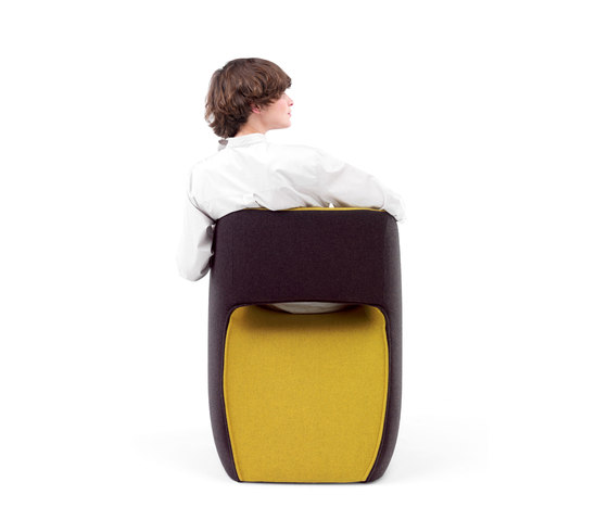 Om textile armchair by Mobles 114 | Visitors chairs / Side chairs