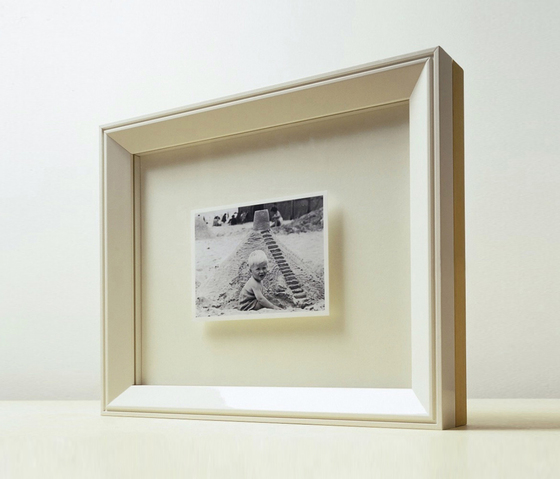 Picture Frame by when objects work | Picture frames