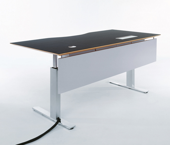 GOS I by GUBI | Height-adjustable desks