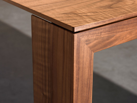 Solo 08.001 by Kettnaker | Dining tables