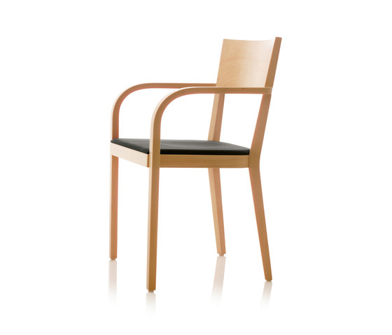 S12 chair with arms by B+W | Restaurant chairs