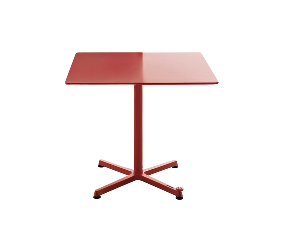 Kross by Maxdesign | Cafeteria tables