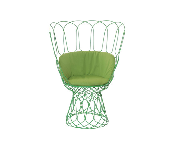 Re-trouvé | 566 by EMU Group | Garden chairs