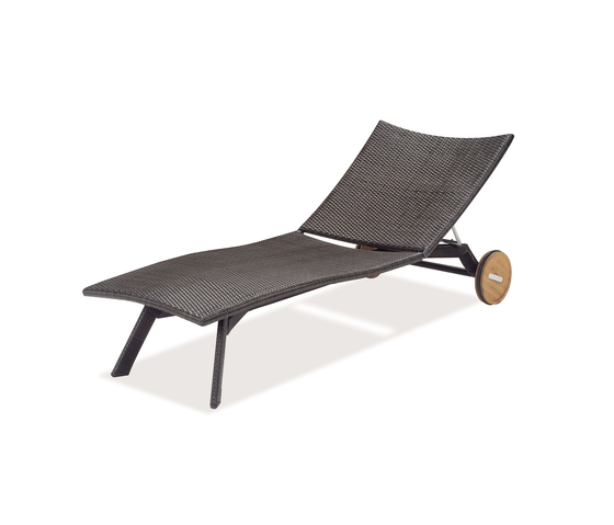 Horus | 6551 by EMU Group | Sun loungers