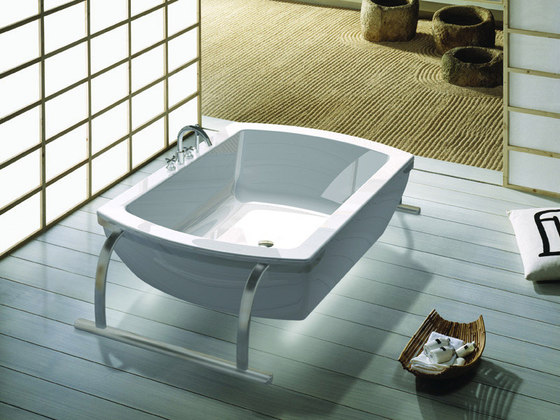 Emotion acrylic bath by ROCA | Free-standing baths