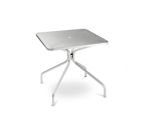 Cambi | 800 by EMU Group | Cafeteria tables