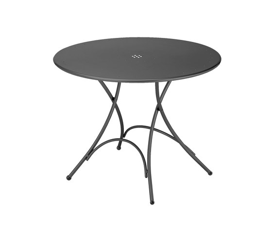 Pigalle   904 by EMU Group   Cafeteria tables
