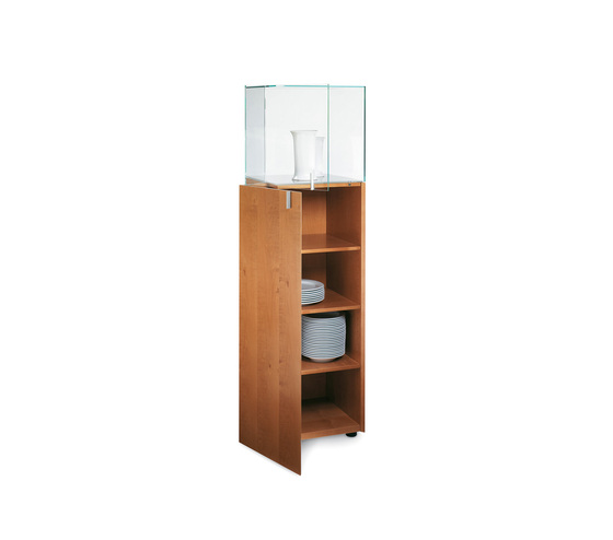 Solitaire by team by wellis | Display cabinets