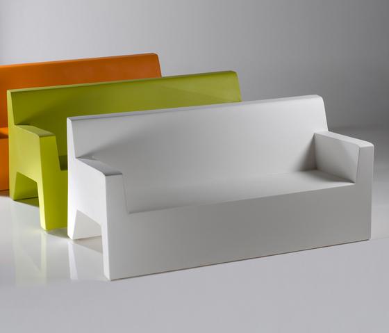 Jut sofa by Vondom | Garden sofas