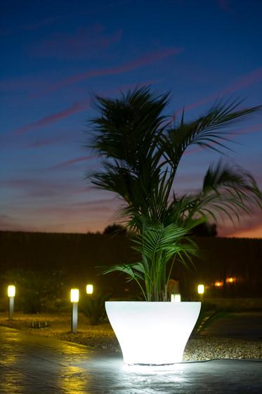 Llum Centro alto by Vondom | Flowerpots / Planters