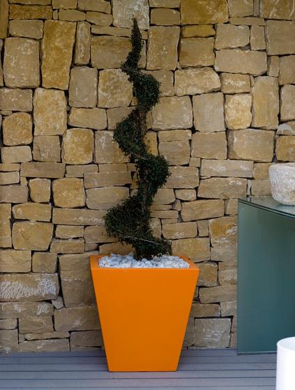 Fang Cono cuadrado by Vondom | Flowerpots / Planters