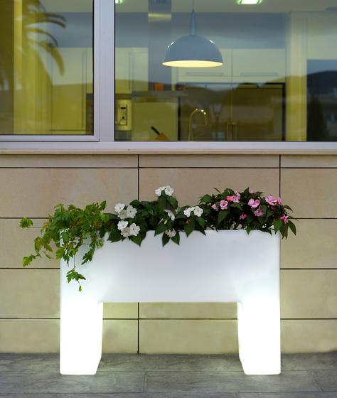 Llum Muro by Vondom | Flowerpots / Planters