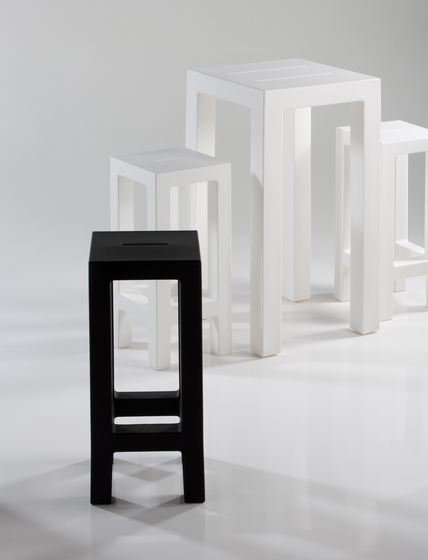 Jut table 50 by Vondom | Bar tables