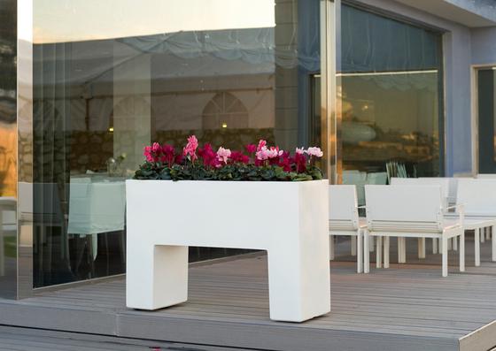 Aigua Muro by Vondom | Flowerpots / Planters