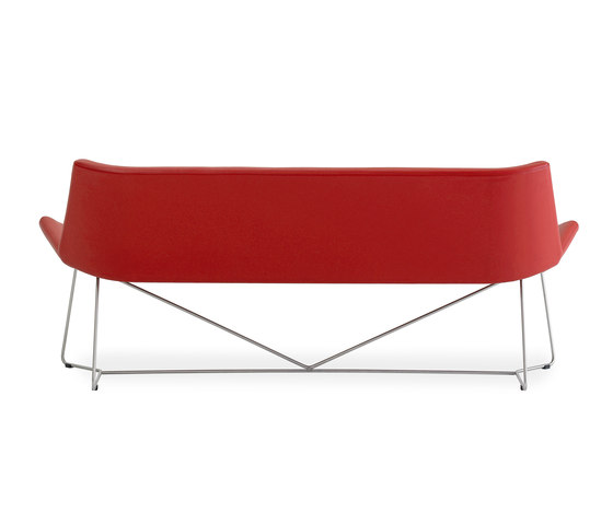 Lotus Sofa by +Halle | Lounge sofas