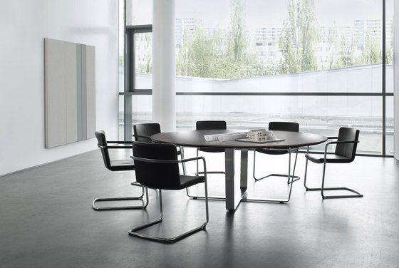 Tune meeting table by RENZ | Meeting room tables