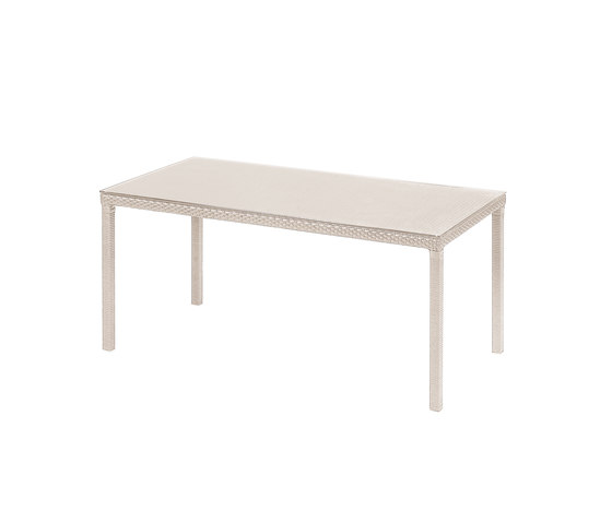 Delta | 6529 by EMU Group | Dining tables