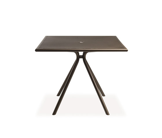 Solid | 862 by EMU Group | Dining tables