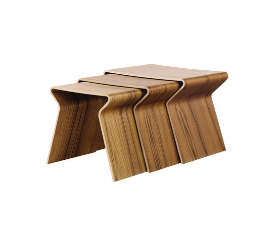 GJ Nesting Table di Lange Production | Tavolini di servizio