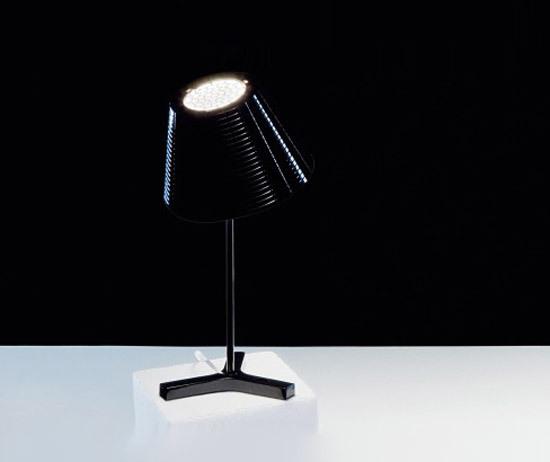 Nolita Table Lamp di Marset   Illuminazione generale