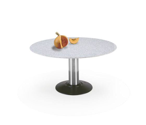 Nelly | 1511 by Draenert | Dining tables
