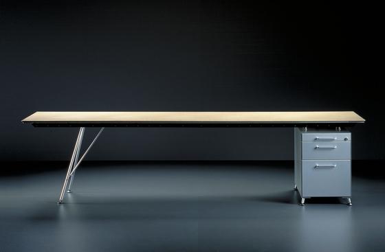 Unistandardtisch di Atelier Alinea | Scrivanie individuali