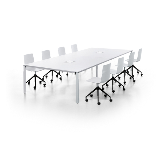 temptation four by Sedus Stoll | Multimedia conference tables
