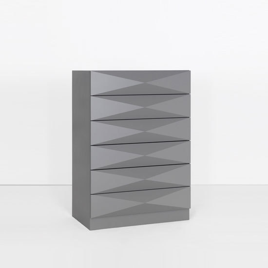 Authority System chest of drawers di Philip Edis | Credenze