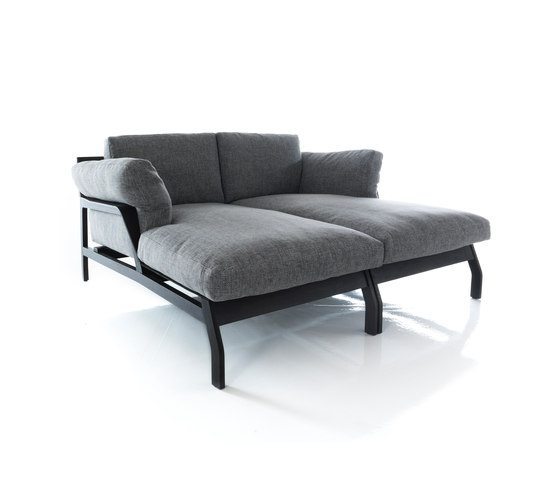285 Eloro by Cassina | Chaise longues