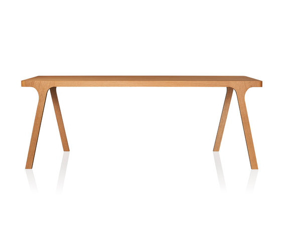 Cross Table by GAEAforms | Restaurant tables